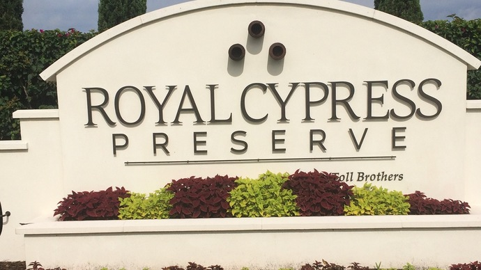 Royal Cypress In Dr. Phillips in Orlando Florida often has no homes for sale under $400,000