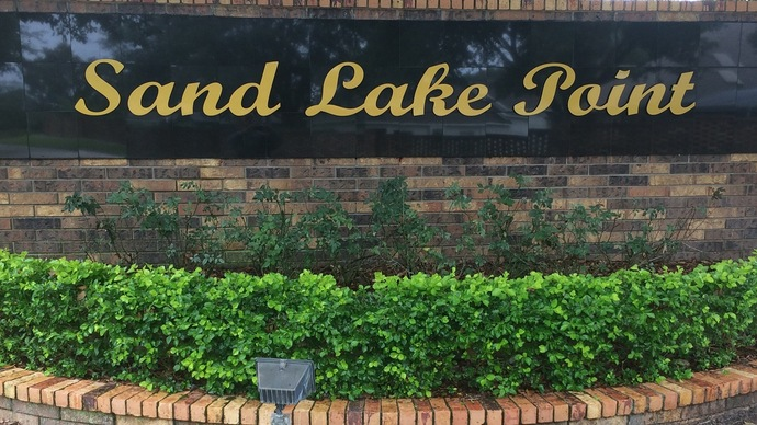 Sand Lake Point In Dr. Phillips in Orlando Florida often has homes for sale under $400,000